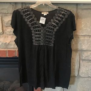 Tops - NWT Black t shirt top w embellished details